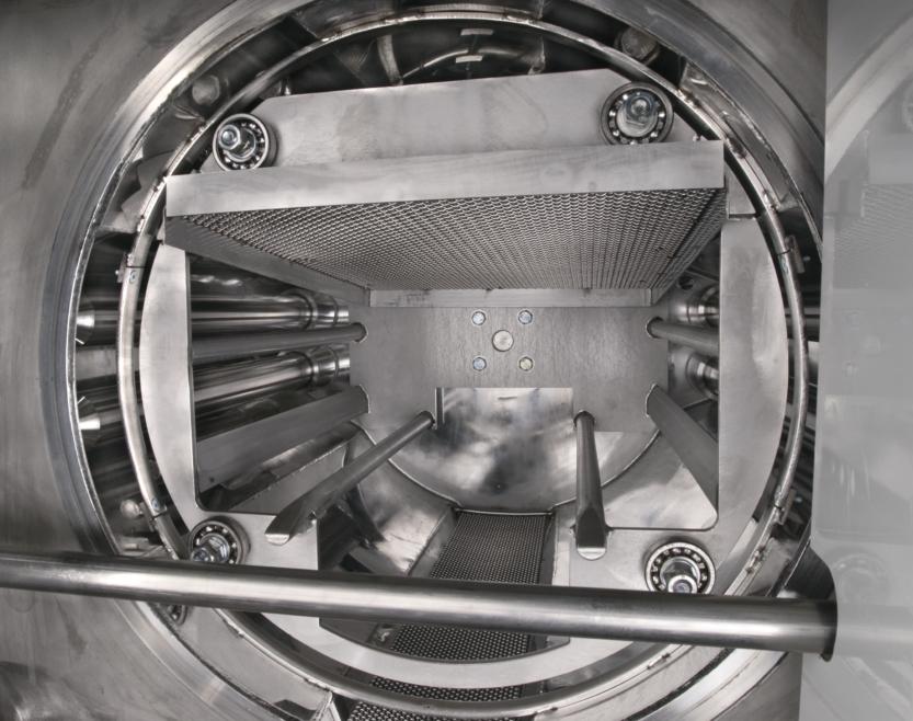 Solvent degreasing machine's chamber