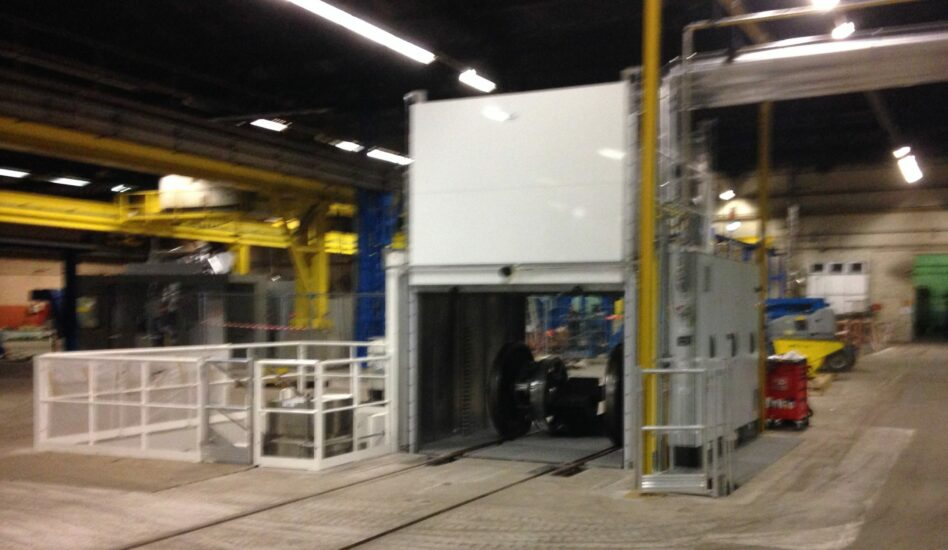 Railway axle cleaning in degreasing machine