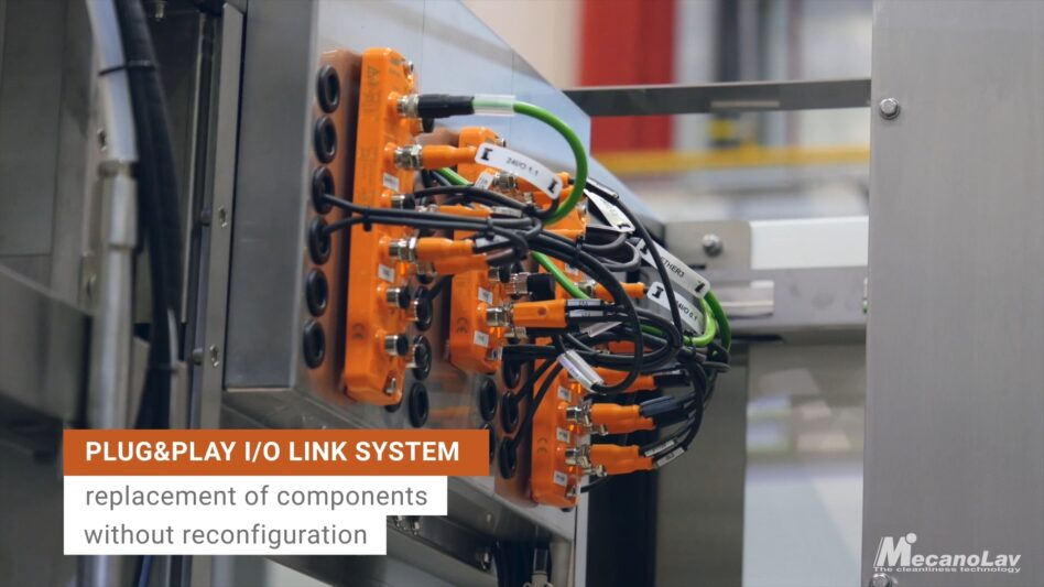 I/O link system of a compact drum parts washer