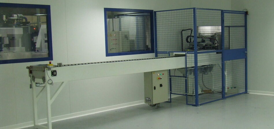 Carousel parts washer in a clean room