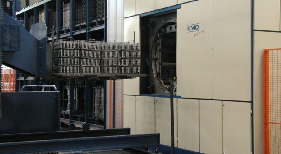 Degreasing machine custom-made chamber