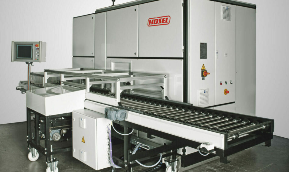 Vaccum and hybrid solvents degreasing machine