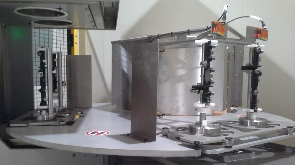 Cleaning of injection bars in continuous flow