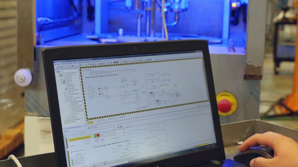 Cleaning machines PLC program